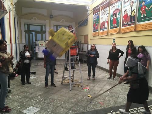 Le moment préféré des enfants : casser la piñata !
