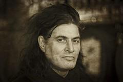LACHLAN (bert • bakker) Tags: man portret portrait langhaar longhair nikon85mm18g dedruif amsterdam