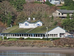 Oregon Coast (Jasperdo) Tags: oregoncoast lincolncity oregon roadtrip siletzbay mosrestaurant mos restaurant building architecture