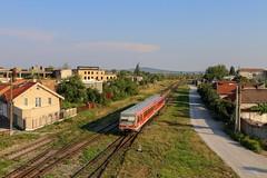 """628 658 (""""IRC Regio"""") - Oradea Est by Jan-Felix Tillmann - Seit einiger Zeit gibt es auch verkehrsrote 628er in Rumänien. Der neue Betreiber """"IRC Regio"""" setzt nämlich auf einigen der betriebenen Strecken ehemalige Fahrzeuge der Deutschen Bahn ein. Diese unterscheiden sich nur darin, dass sie jetzt einen """"IRC Regio""""-Keks besitzen. Hier 628 658 in Oradea Est."""