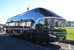 Leeds United F.C. Team Coach (5asideHero) Tags: leeds united fc tynedale group travel neoplan starliner tgt 889
