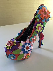 IMG_8983 (El Dulce) Tags: musesparade mardigras kreweofmuses mardi gras 2018 folkart craft elizabethblack nancywillis maggie willis neworleans carnival artshoes shoes musesshoes