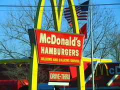 McDonald's (Milford, Connecticut) (jjbers) Tags: connecticut february 3 2018 milford mcdonalds fast sign food old retro