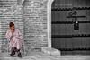 (062/18) Y la vida sigue ... (Pablo Arias) Tags: pabloarias photoshop photomatix capturenxd personas gente calle marrakech