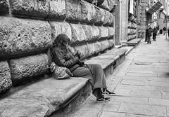 """ Rest (Bugnato is hard) "" (pigianca) Tags: italy florence bugnato architecture turista monochrome rest blackwhite bw biancoenero streetphoto urbanphoto leicamm246 voigtlandercolorskopar21mm"