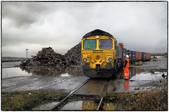 Rainy Day at the Docks (Welsh Gold) Tags: 66543 tilbury barry docks dow chemicals intermodal train no2 quay southwales