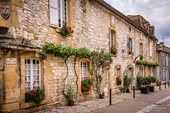 Old streets, small shops - Monpazier/FR (About Pixels) Tags: 0719 10001500ac 2017 aboutpixels fr france frankrijk lpbvf latemiddeleeuwen latemiddleages lesplusbeauxvillagesdefrance mnd07 middeleeuwen monpazier nikond7200 nikon nouvelleaquitaine summerseason zomerseizoen algemeen anno1250 appliedart appliedarts architecture architectuur art bouwwerk building cityscape collecties construction councilhall facade gebouw gemeentehuis gevel historie house huis infrastructure infrastructuur juli july kunst marie medieval raadhuis stadhuis stadsgezicht stedelijk straat street toegepastekunst urban weg history