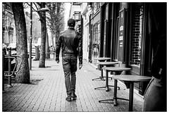 DSCF5639.jpg (srethore) Tags: street bw candid people noiretblanc photoderue meike 35mm