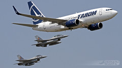 Boeing B737-78J-WL YR-BGH Tarom + Lockheed F-16AM Block 15 MLU RoAF | Bucharest International Air Show 2017 (Horatiu Goanta Aviation Photography) Tags: boeing 737 boeing737 737700 b737700 b737 737ng 737nextgeneration winglet winglets blendedwinglet blendedwinglets airliner narrowbody singleaisle cfm56 b73778jwl 73778j yrbgh tarom rot skyteam romanianairtransport taromromanianairtransport turbofan civilaviation commercialaviation aerospace airplane plane aviation aircraft flight wings jet passenger passengeraircraft passengerjet jetairliner jetliner jetengine turbine turbojet highbypassturbofan bypassturbojet bucharestinternationalairshow bias bucharestbaneasa baneasa bbu lrbs bbulrbs aerobatics airshow internationalairshow goanta horatiugoanta bias2017 bucharestairshow2017 bucharestinternationalairshow2017 f16 f16block15 fightingfalcon f16fightingfalcon f16viper fighter fighterjet roaf romanianairforce nato f16mlu forteleaerieneromane forțeleaerieneromâne planespotter planespotting