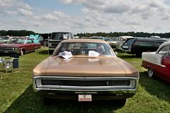 Plymouth Sport Suburban, 1970 (Triple-green) Tags: 1970 2007 auto canon24105mm14l canoneos30d plymouth schweden sportsuburban uscar västerås