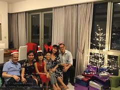 Christmas party at Dan's (Stinkee Beek) Tags: dan erin yewyen jena christmas leonard ethan