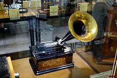 Fonógrafo de Edison (Jose Luis RDS) Tags: sony rx 10 rx10 cine cinema museo museum movies 35mm proyector projector fonografo edison phonograph