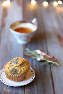 Muffin di farro con pecorino al pepe e nocciole 4