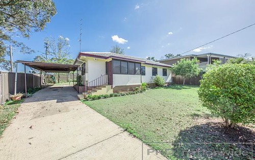 2 Churchill Cres, Rutherford NSW