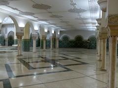 viel Platz-lot of space (Anke knipst) Tags: casablanca morocco marokko moschee mosque hassaniimoschee marmor marble waschraum