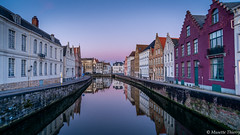 les reflets de Bruges (musette thierry) Tags: belgium bruges brugge paysage landscape reflex reflets couleur rouge jaune eau water winter february février new falowme musette thierry d800 promenade facade plaisir nuit bleu europe 1835mm 169