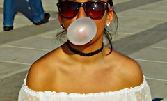 Bubble gum (portalealba) Tags: málaga magiccity portalealba pentax pentaxk50 people retrato