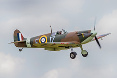 Spitfire Mk Ia AR213... (Linton Snapper) Tags: spitfires duxford flyinglegends canon cambridgeshire airshow fighter warbird lintonsnapper