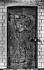 closed door -3- -explore- (MAICN) Tags: 2018 bw architektur blackwhite monochrome schwarzweis mono einfarbig sw tür door
