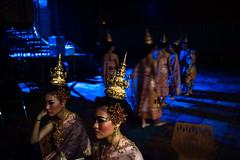* (Sakulchai Sikitikul) Tags: นางรำ โขน โขนสงขลานครินทร์ street snap streetphotography songkhla sony voigtlander 28mm thailand hatyai a7s