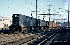 CR 4455-4462, SEWA-6, Elizabeth, NJ. 1-27-1979 (jackdk) Tags: train railroad railway cr conrail prr pennsy penncentral northeastcorridor elizabeth elizabethnj e44 electriclocomotive