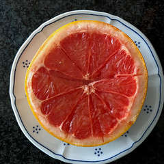 sour! :-( (Rosmarie Voegtli) Tags: grapefruit odc ourdailychallenge partofsomething food plate square red fruit health sour 104 118picturesin2018