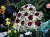 Abschied / Läute die Glocke (ingrid eulenfan) Tags: friedhof graveyard grab tot trauer abschied glocke bell grabgebinde herz heart rosen rot blumen flowers gebinde