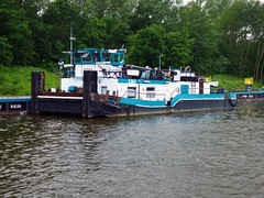 Edo (ENI 05608640) (Parchimer) Tags: schubboot pushboat towboat pousseur pchacz duwboot spintore empurradorfluvial binnenschiff tolómotorhajó pushertug geesthacht elbe