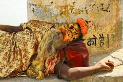 Sleeping Sadhu (Dick Verton ( more than 12.000.000 visitors )) Tags: sleeping sadhu mimicry paintedface ghats varanasi india traveling asia streetlives streetview streetscene