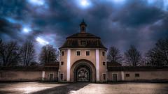 Un soir de pluie... (Fred&rique) Tags: lumixfz1000 photoshop raw hdr kloster allemagne wiblingen ciel nuages hiver heure bleue architecture porte couleurs