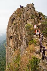 近觀獅子石 (samuel.w photography) Tags: hongkong mountain lionrock landscape
