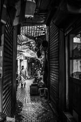 Marrakech (Sabine_Aub) Tags: marrakech medina souk monochrome monochrom noiretblanc blackandwhite bnw street summilux 35mm asph leica leicam10
