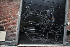 Philippe Baudelocque_1594 rue Hégésippe Moreau Paris 18 (meuh1246) Tags: streetart paris philippebaudelocque ruehégésippemoreau paris18 arme