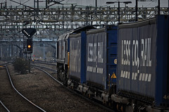 Got The Feathers (whosoever2) Tags: uk united kingdom gb great britain nikon d7100 train railway railroad february 2018 nuneaton warwickshire tesco liner intermodal drs class66 66301 4v44 deventry wentloog