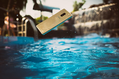 samsung galaxy a8a8 dưới nước a8 underwater (Photo: Tinh Te Photos on Flickr)