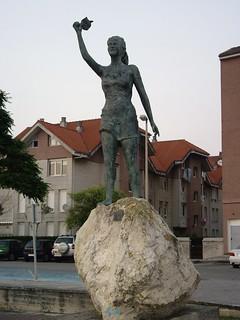 Escultura en Somo (Cantabria, España, 13-7-2007)