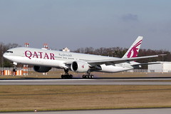 Qatar Airways - 777-3DZ(ER), A7-BAI (Bernd 2011) Tags: qatarairways boeing 777 773 7773dzer a7bai nordwest runwaynw fra eddf landing