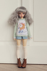 Unicorn green sweater (Plume Blanche Créations) Tags: minifee fairyland rheia kröt appi lünn këte dustofdolls bjd balljointeddoll slimmsd msd doll clothes clothing plumeblanchecreations plume blanche sewing seamstress