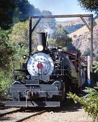 At Bridge No 2 in Niles Canyon _2 (Charlie Day DaytimeStudios) Tags: california fall fallcolor fremontca nilecanyon nilesca nilescanyonrailroad nilesrailroad railequipment railsystems railroad railroadtracks sanfranciscobayarea trainengine