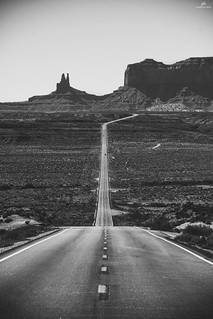 Monument Valley - US 163 . XT1 .