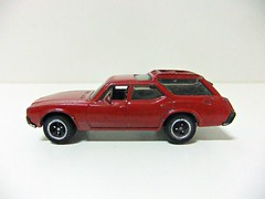 1971 OLDSMOBILE VISTA CRUISER MB777 - MATCHBOX (RMJ68) Tags: 1971 oldsmobile vista cruiser station wagon matchbox diecast coches cars juguete toy 168 scale
