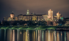 Wawel castle at night (Vagelis Pikoulas) Tags: wawel castle krakow old town poland travel photography view landscape city cityscape tokina 2470mm 6d canon river november autumn 2017 urban