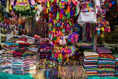 Los colores de mi tierra. (marcermzg) Tags: artesania pueblomagico calle artesanos sancristobal mexico chiapas colores tejidos