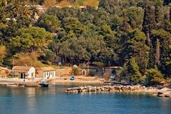 Near the sea... (Zoom58.9) Tags: meer mittelmeer wasser bucht küste häuser bäume palmen sea mediterraneansea coast bay houses trees palm ozean ocean canon eos 50d