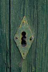 a lock (B.Guilbaud) Tags: texture couleur bois serrure alock olddoor vert porte détails losange nervures nikonphotographie 50mm larochesuryon vendée proxi fr
