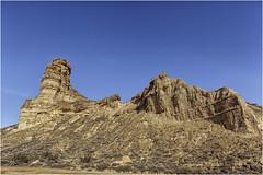 Un paseo por La Gabarda (Fernando Forniés Gracia) Tags: españa aragón huesca hoyadehuesca lagabarda torrollones paisaje landscape naturaleza monegros