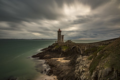 Le phare du petit minou (adilemoigne) Tags: lighthouse océan atlantique brest finistère bretagne pentax long exposure k1