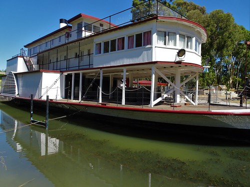 Swan Hill. The Gem paddle steamer with r by denisbin, on Flickr