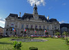 Hôtel de ville de Tours (François Tomasi) Tags: sky nuages nuage clouds cloud hôteldevilledetours ville tours villedetours flags flag drapeaux drapeau touraine indreetloire france europe patrimoine tourisme reflex nikon pointdevue pointofview pov lights light lumière colors color couleurs couleur tomasiphotography françoistomasi digital numérique photo photographie photography photoshop bleu blue vert green city yahoo google flickr lanouvellerépublique filtre janvier 2018 windows