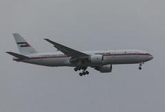 United Arab Emirates (Abu Dhabi Amiri Flight) Boeing 777-2AN/ER (Marcellinissimo) Tags: canon eos5d eos5d4 eos zrh zurichairport united arab emirates abu dhabi amiri flight boeing 7772aner wef worldeconomicforum